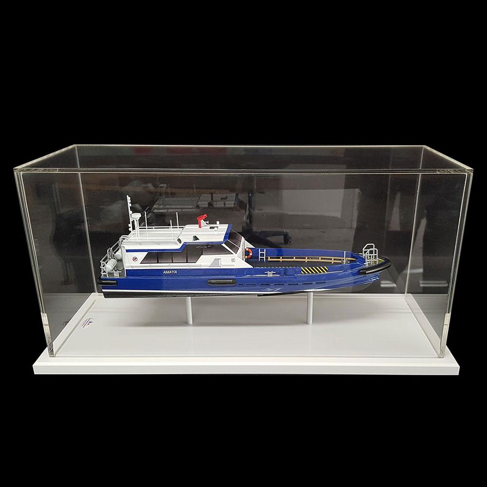 Maquette_Crewboat_Efinor_Allais_vitrine