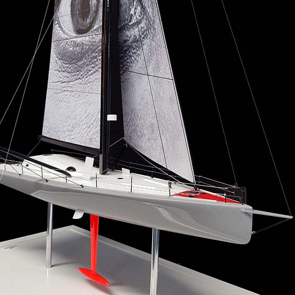 Maquette_IMOCA_Vivo_a_Beira_avant-tribord