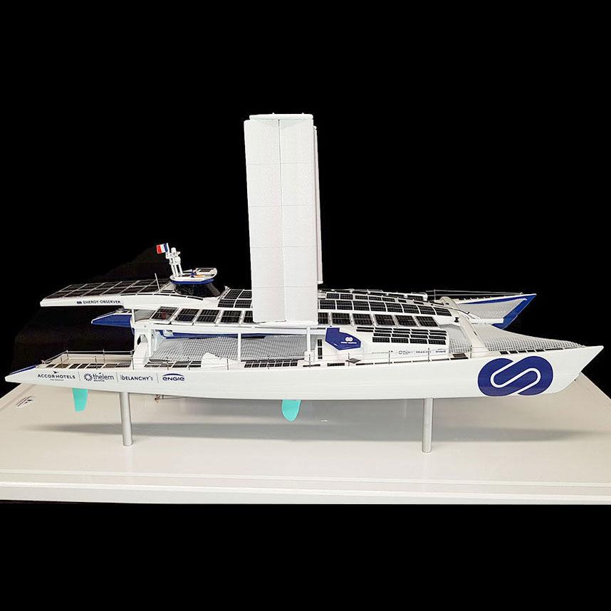 Maquette_bateau_Energy_Observer_côté