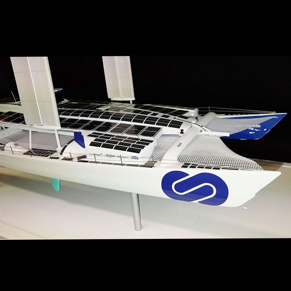 Maquette_bateau_Energy_Observer_avant_tribord