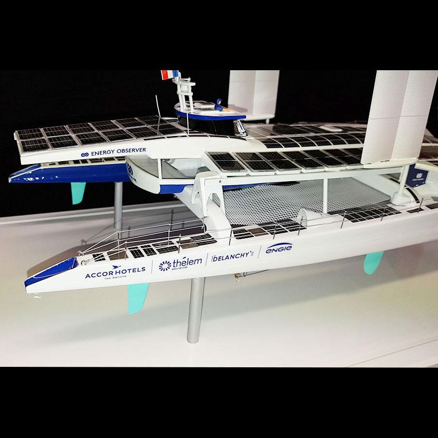 Maquette_bateau_Energy_Observer_arrière_tribord