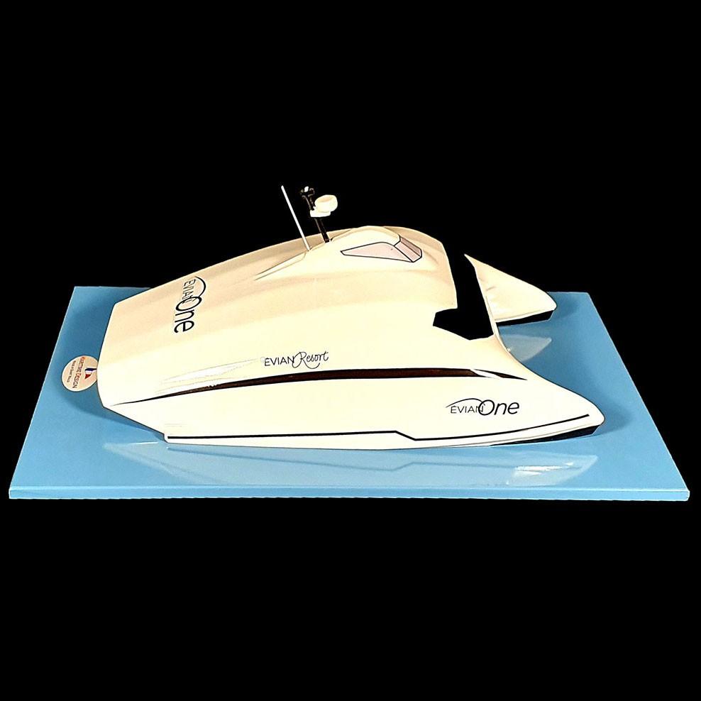 Maquette_bateau_Evian_One_côté-tribord