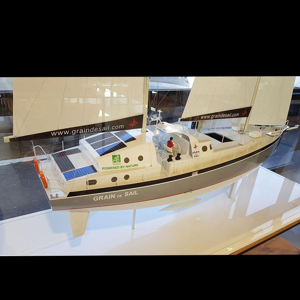 Maquette_bateau_Grain_de_Sail_côté_tribord